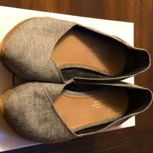 Shoes - TOMS flats, size 7 w